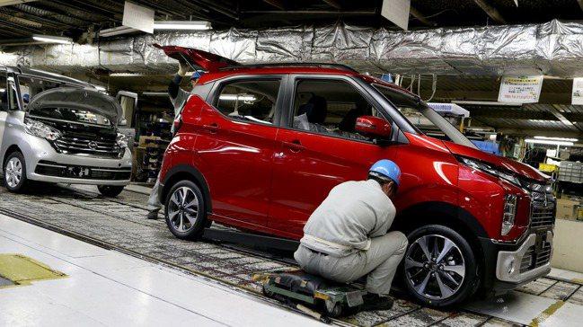 標榜售價親民、小型引擎的日本輕型車(Keijidousha,簡稱K-Car),正...