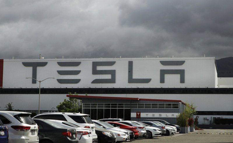特斯拉(Tesla)位於美國加州費利蒙(Fremont)的工廠。  美聯社