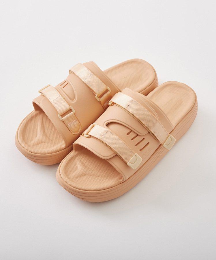 SUICOKE x FUMITO GANRYU URICH涼鞋7,280元。圖/...
