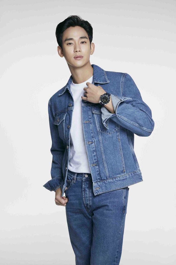 金秀賢今年一月剛成為MIDO亞洲品牌代言人,今日並釋出兩張全新宣傳視覺。圖 / ...
