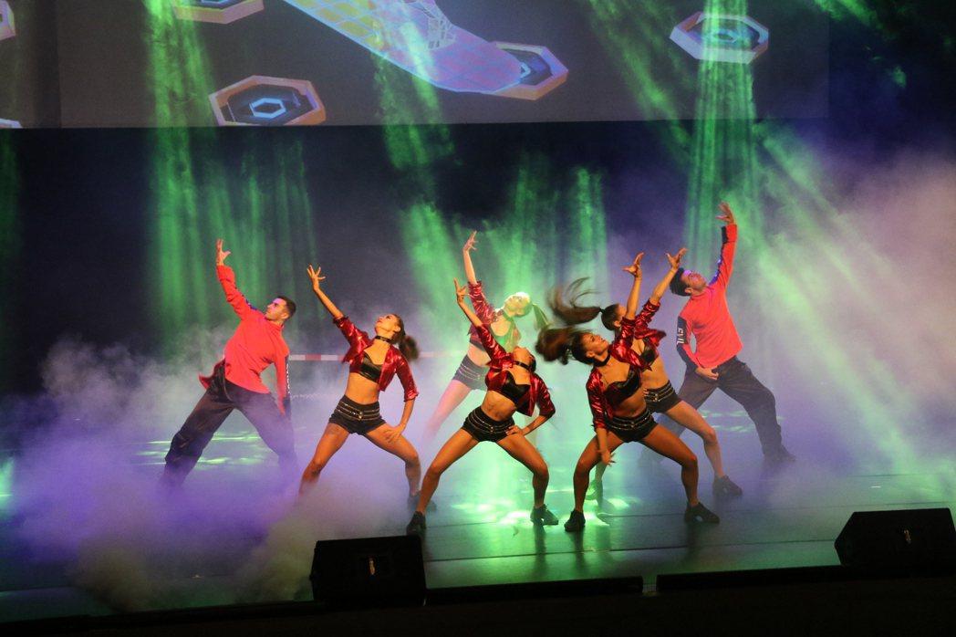 麗寶樂園渡假區推出國際級表演「超視覺魔幻秀」,開演至今好評不斷。圖/麗寶樂園渡假...