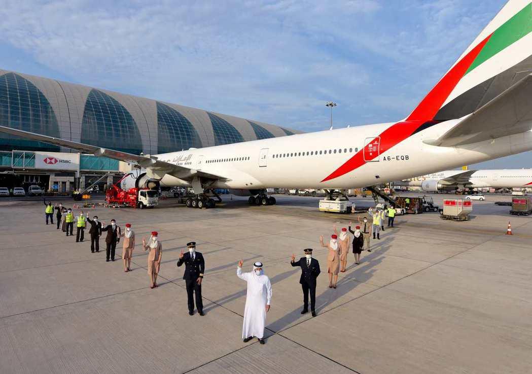阿聯酋航空於2月21日由杜拜前往洛杉磯的EK215航班,正式成為全球少數、由已接...
