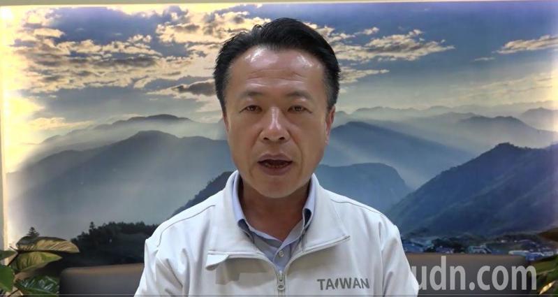 大陸宣布暫停台灣鳳梨進口;鳳梨重要產地、曾任農委會副主委的嘉義縣長翁章梁說,這是大陸片面決定的政政治動作,不符合國際貿易市場規範。記者魯永明/攝影