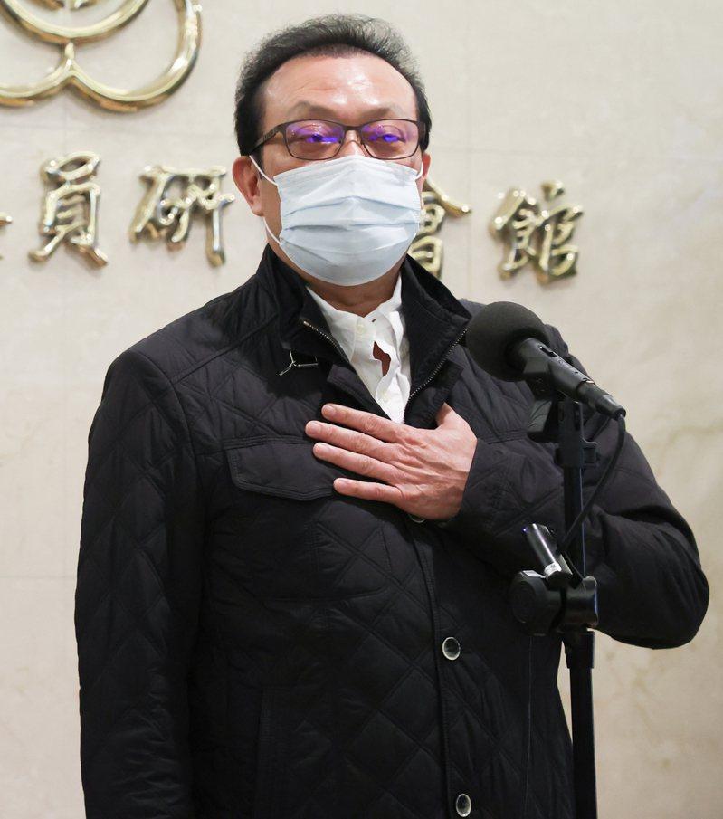 立委蘇震清宣布退出民進黨,他強調自己從政從不收回扣。記者葉信菉/攝影
