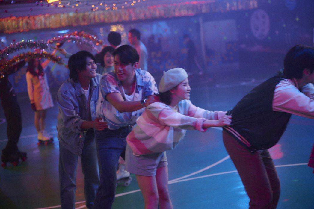 「天橋上的魔術師」重現80年代青春。圖/公視、myVideo提供