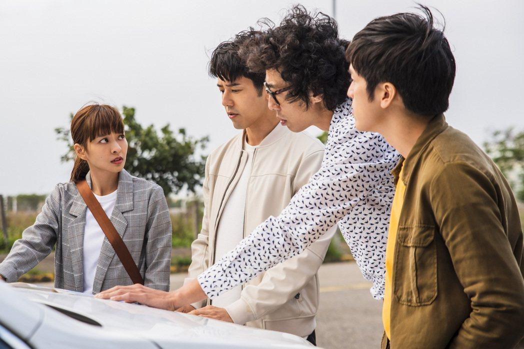 葉星辰(左起)、胡宇威、馬念先在劇中追查當年懸案真相。圖/東森提供