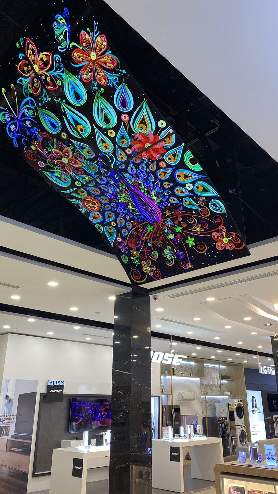 首度在台亮相的LG OLED 100吋曲面顯示器。圖/燦坤提供