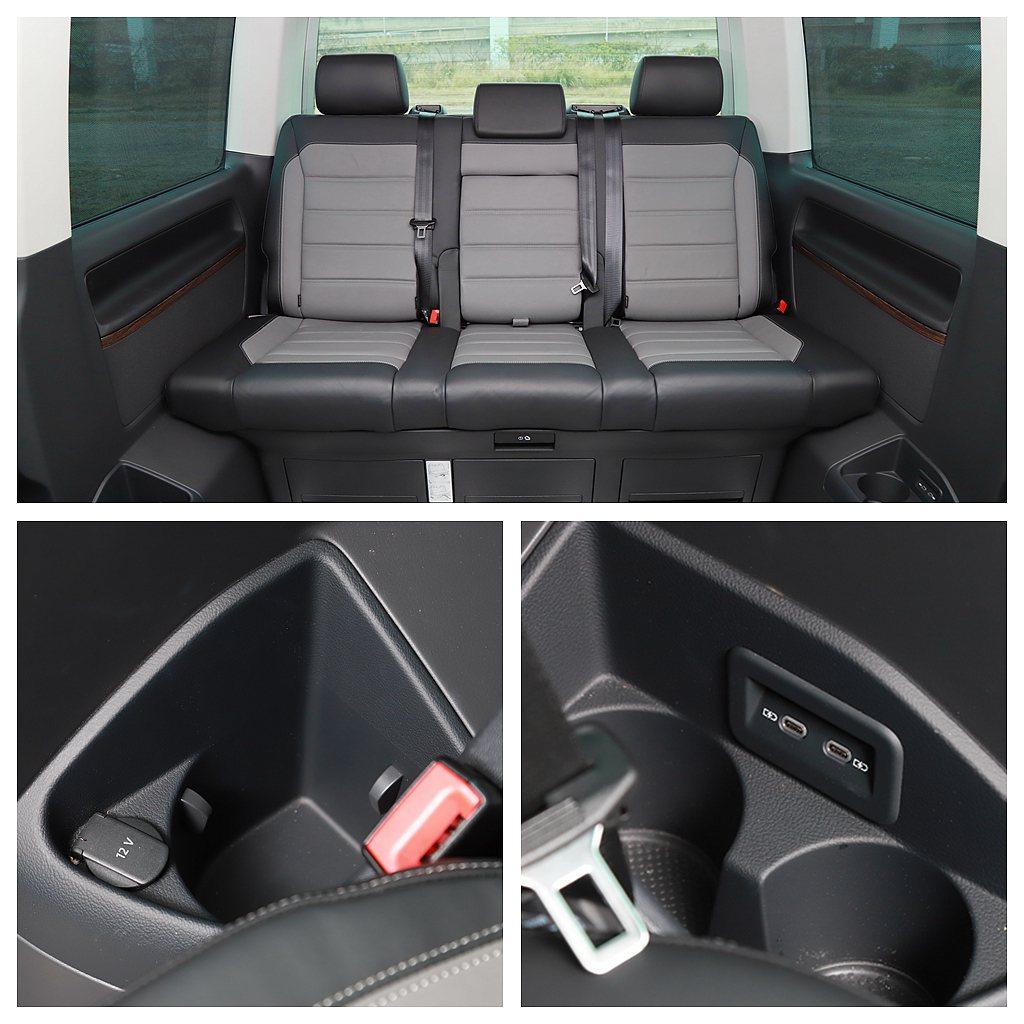 第三排座椅與前座椅相同雙色真皮包覆,並提供12V電源插孔(右側)以及兩組Type...