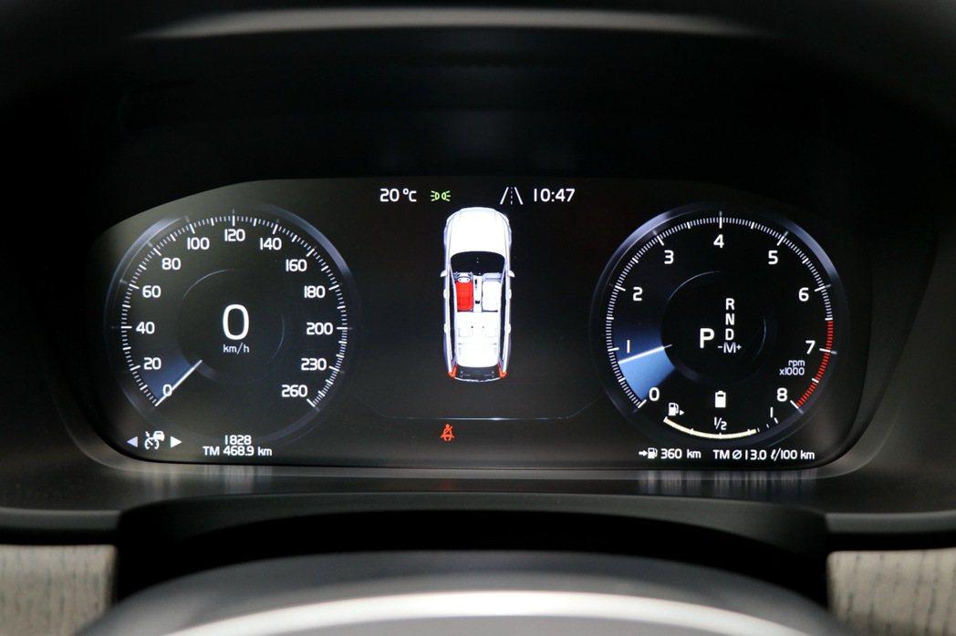 12.3吋數位整合資訊儀錶。 記者陳威任/攝影