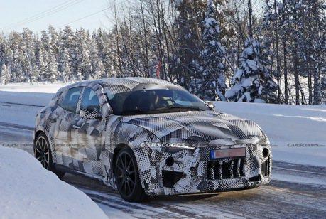 Ferrari Purosangue雪地測試中 竟偽裝成Maserati Levante!