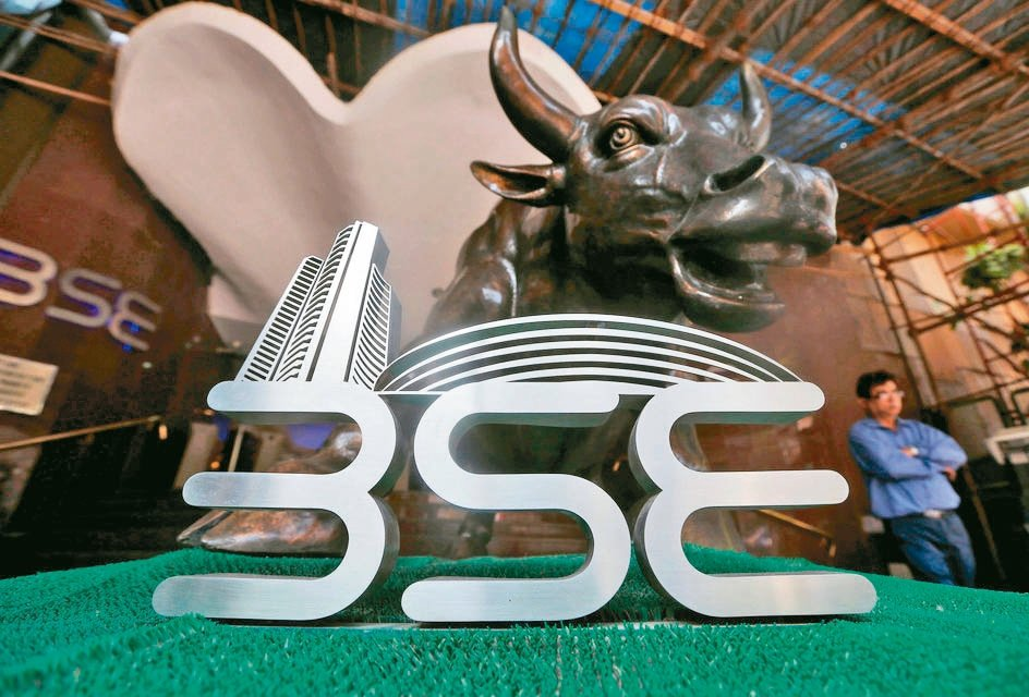 今年來印度股市表現亮眼,Sensex指數不僅站上50,000點大關,近一月漲幅近...