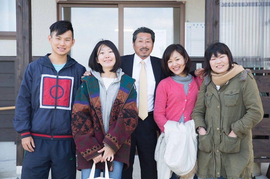 張海德(左一)熱愛社交,於2016年結交的日本朋友是讓他因緣際會加入MYFARM...