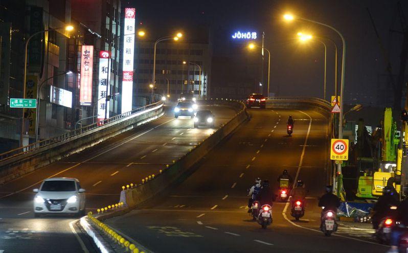 高雄市中博高架橋最後身影。記者楊濡嘉/攝影