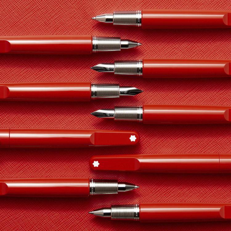 RED系列是萬寶龍與(RED)基金會合作的書寫工具系列,細節帶有Marc New...