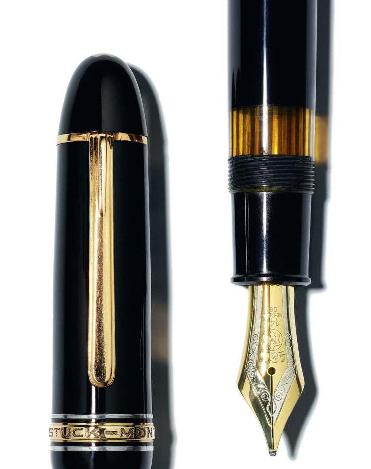 1952年時萬寶龍首度推出了大師傑作系列149鋼筆,筆蓋簡潔渾圓的線條,至今蔚為...