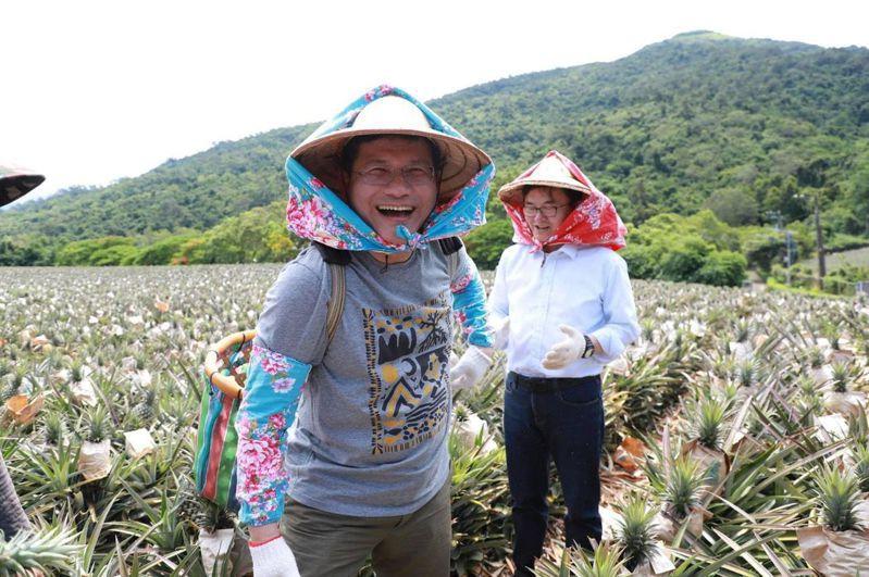 林佳龍去年6月與立委劉櫂豪親自前往「饗嚮台東」。圖/取自林佳龍臉書