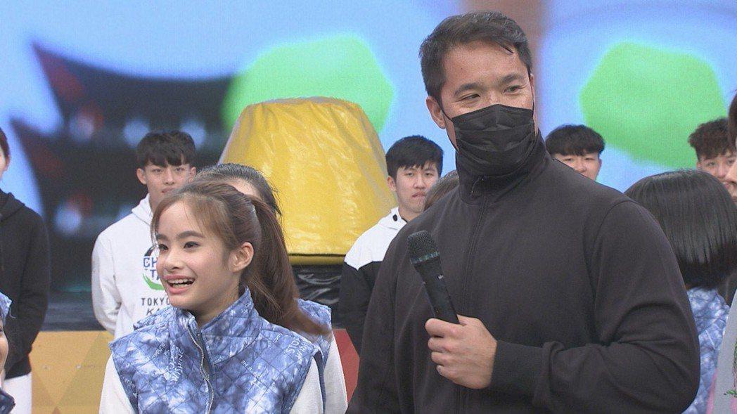 林智勝父女在錄影時同框。圖/民視提供