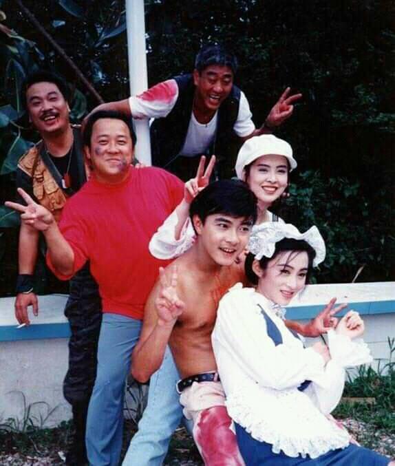 王祖賢分享當年拍電影「芝士火腿」時演員們的合照。 圖/擷自王祖賢臉書