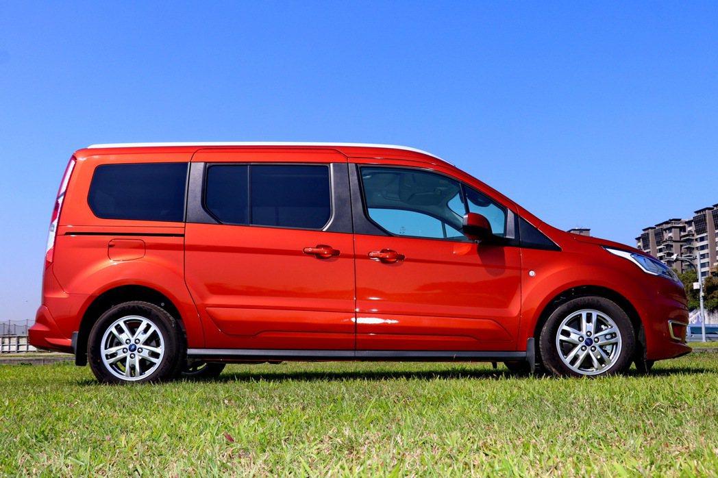 旅玩家的車側與印象中的LAV車款類似,都呈現比較方正的視覺感受。 記者陳威任/攝...