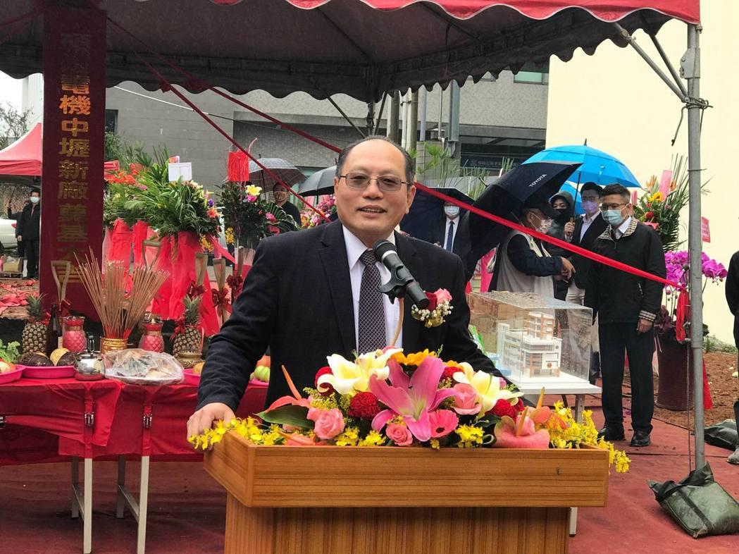 碩陽電機董事長林明昌表示指出,今年為科技的碩陽,開始要生產電動掃街車高科技產品及...