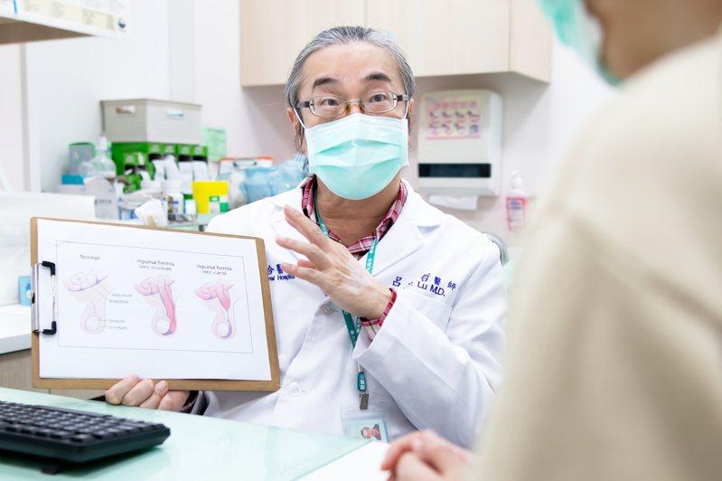 東元綜合醫院小兒外科醫師呂文哲提醒,小於一歲的嬰幼兒腹股溝疝氣,應在14天內執行腹股溝疝氣手術,降低引起腸阻塞、腸壞死的機率。圖/東元綜合醫院提供