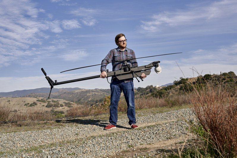 安督瑞爾公司報行長申夫說,美軍正在測試使用該公司的自主導航無人機「幽靈」。圖/取自紐約時報