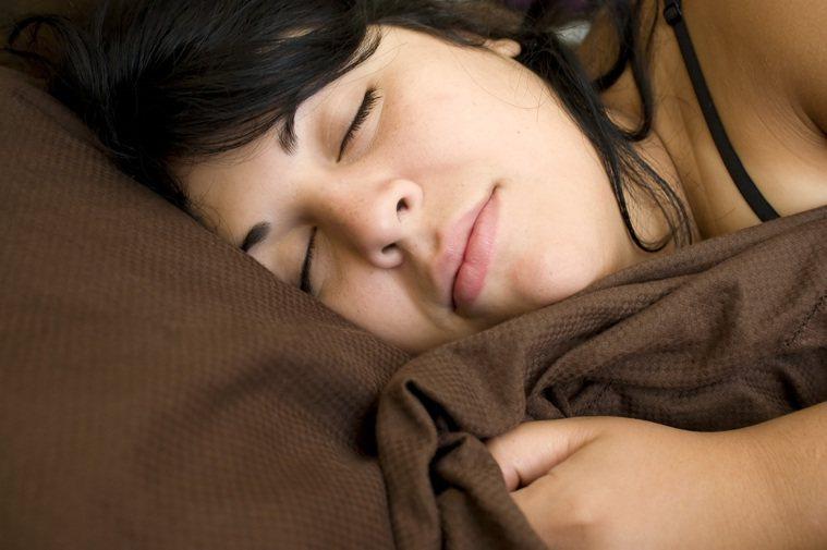 能好好睡上一覺是件幸福的事。不過日本醫學教授内村直尚認為,現代人對於睡眠,仍有許...