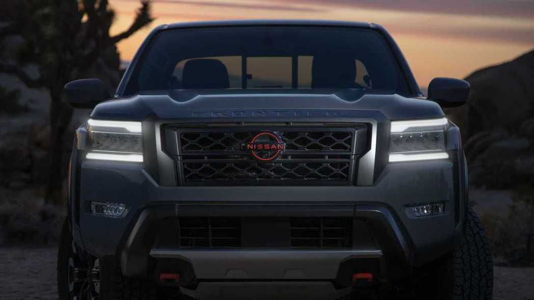Nissan Frontier的新型頭燈十分有科技感。 圖/Nissan提供