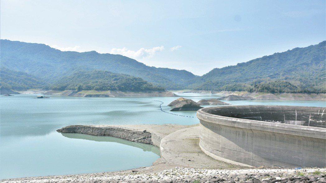 水情吃緊,不少地區開始減量供水。 本報系資料庫