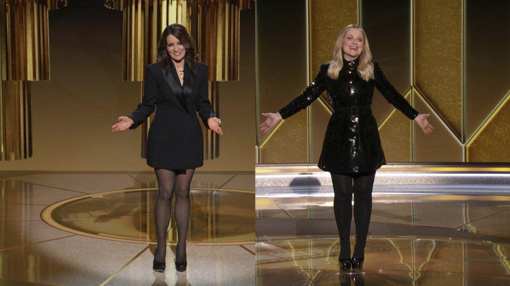 金球獎頒獎典禮透過線上直播舉行,紐約現場主持人是喜劇女演員蒂娜費(左),加州現場