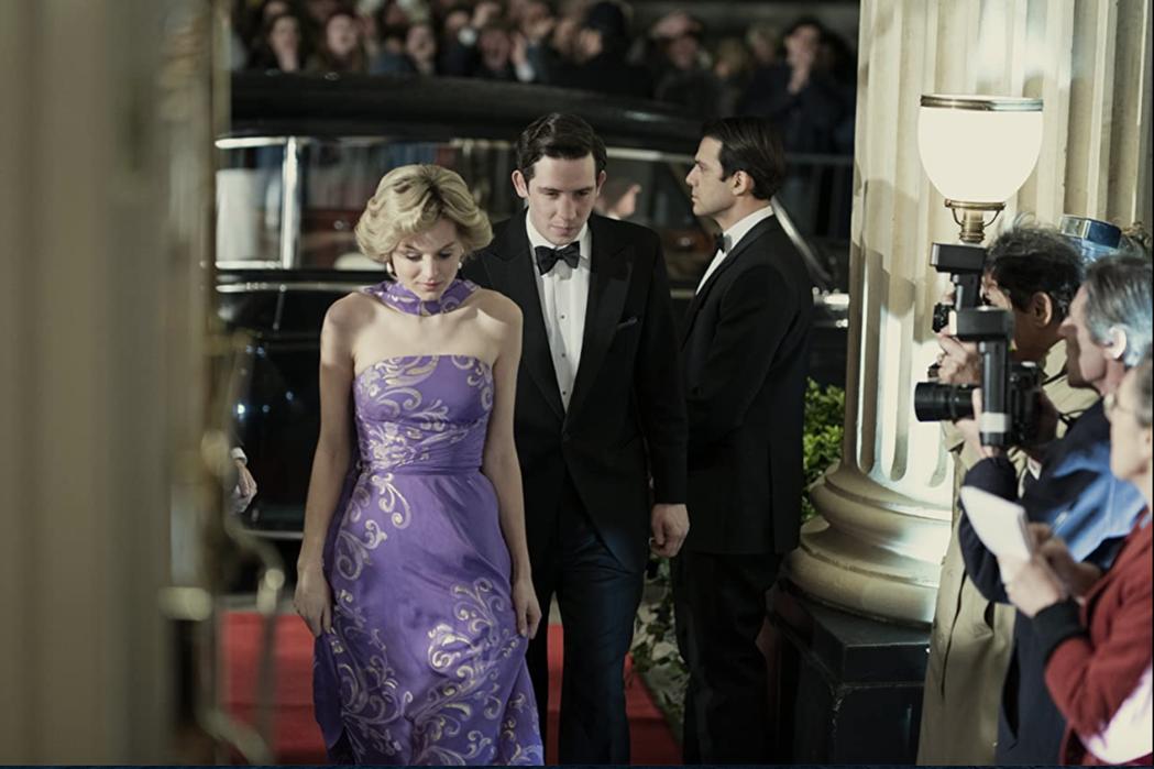 讓英國皇室不舒服的「王冠」,拿下本屆金球獎最佳戲劇類影集大獎。圖/摘自imdb