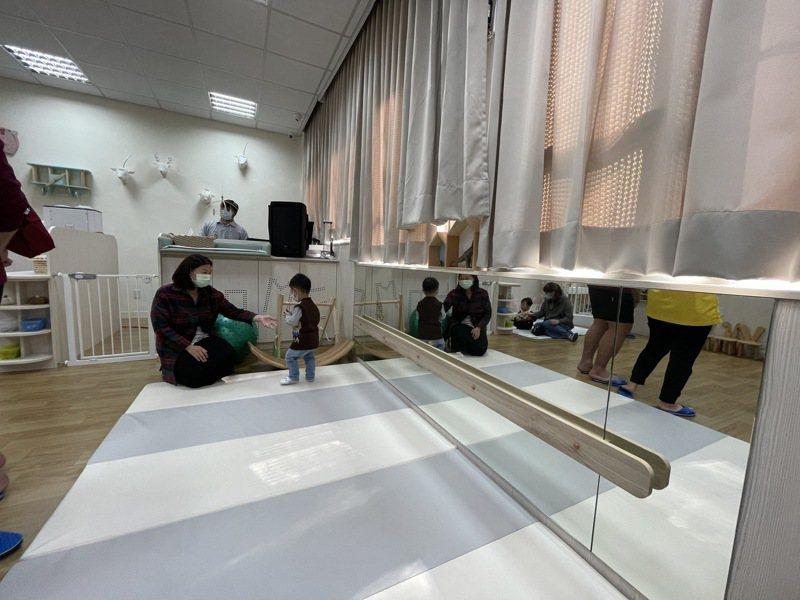 嘉義大學林森校區內的「社區公共托育家園」今天開幕。記者林伯驊/攝影