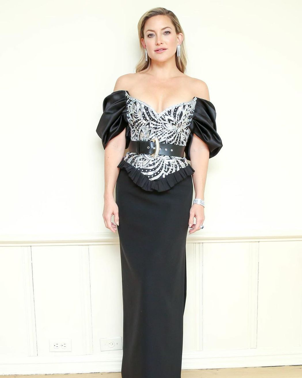 凱特哈德森穿Louis Vuitton禮服。圖/摘自IG