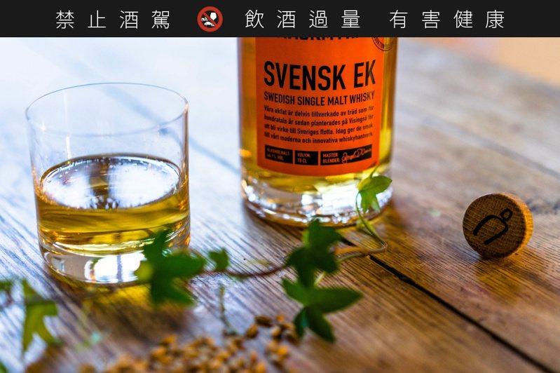 套組中包括麥格瑞瑞典橡木威士忌50毫升。圖/摘自No Chewing Allowed官網。 提醒您:禁止酒駕 飲酒過量有礙健康。
