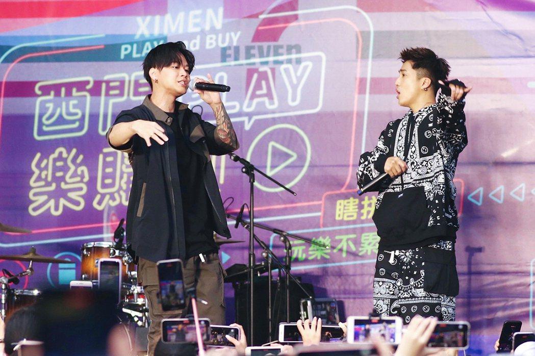 高爾宣(左)和婁峻碩合體引起粉絲瘋狂尖叫。圖/台北市商業處提供