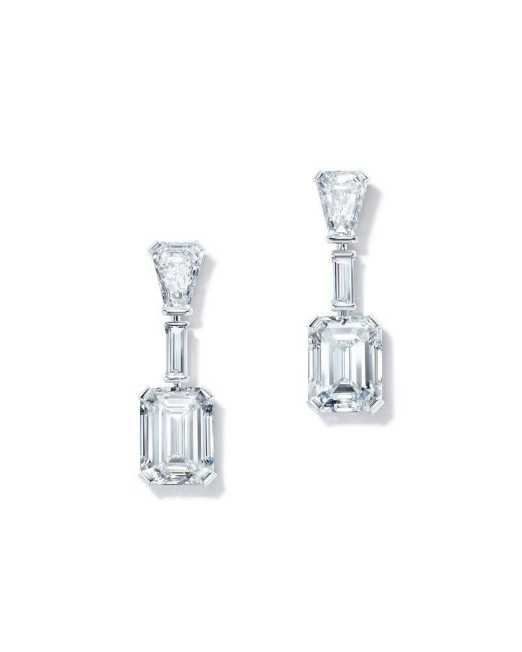 好萊塢女星安雅泰勒喬伊配戴Tiffany高級珠寶鉑金鑽石耳環。圖/Tiffany...