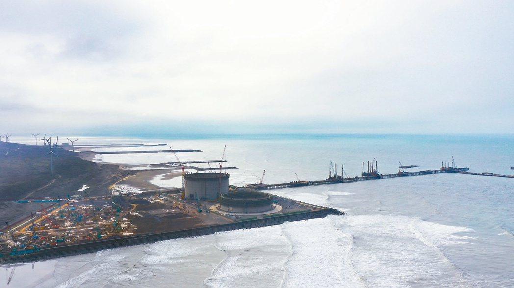 中油在觀塘工業區(港)的第三天然氣接收站興建工程。記者陳正興/攝影