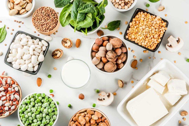 防治痛風,其實不必禁食豆製品。(Shutterstock)