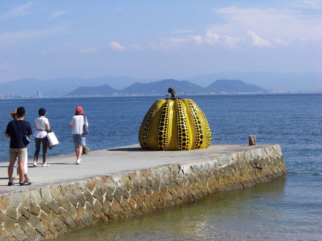 《南瓜》日本瀨戶內海直島