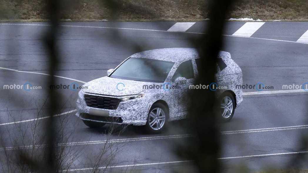 新一代CR-V車頭設計與HR-V相仿。 摘自Motor1