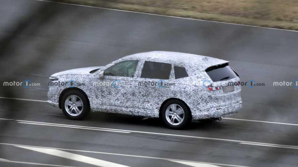 下一代CR-V的車身尺碼明顯放大。 摘自Motor1