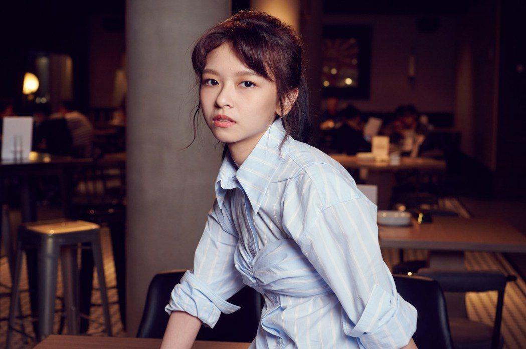 現實中,陳姸霏也來自一個女生國,非但家族中的孫子輩都是女生,備受姊姊疼愛的她,就...