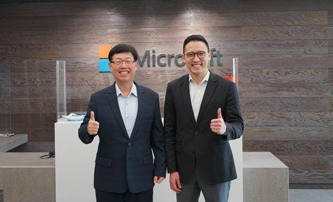左起鴻海科技集團董事長劉揚偉、台灣微軟總經理孫基康。圖/微軟提供