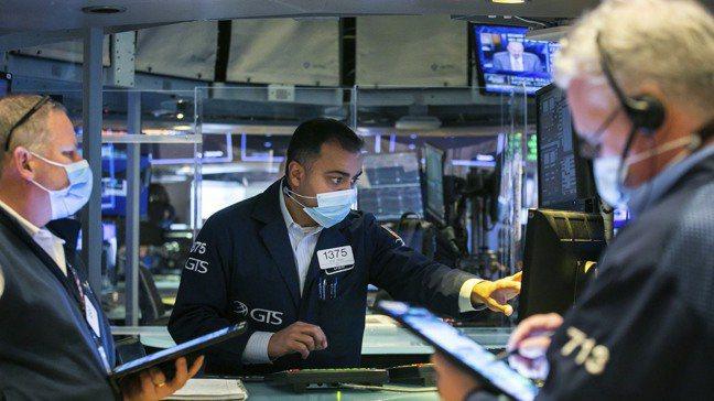 美股創下自6月以來最大漲幅,公債殖利率飆升陰影頓時煙消雲散。美聯社