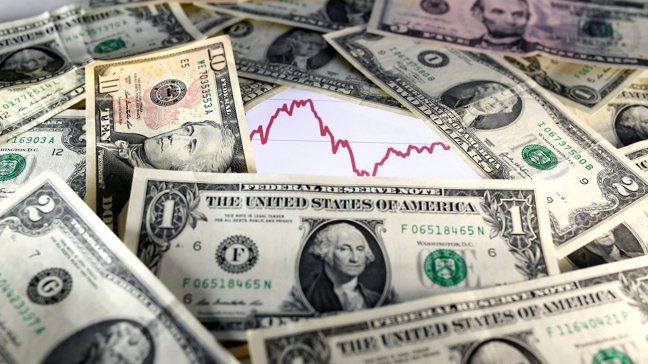 紐時報導指出,拜登的一些經濟顧問擔心美元過度強勢。路透