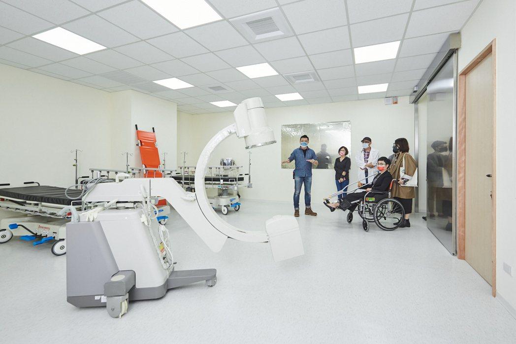 翔聲國際引進醫院實際使用檢驗器材。 文策院/提供