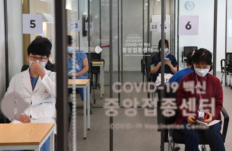 韓國首都圈大規模外籍人士確診。 歐新社