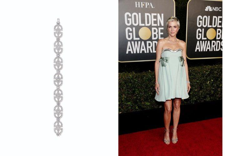 頂著俏麗短髮的克莉絲丁薇格(Kristen Wiig),珠寶穿搭以自然、藝術風格...
