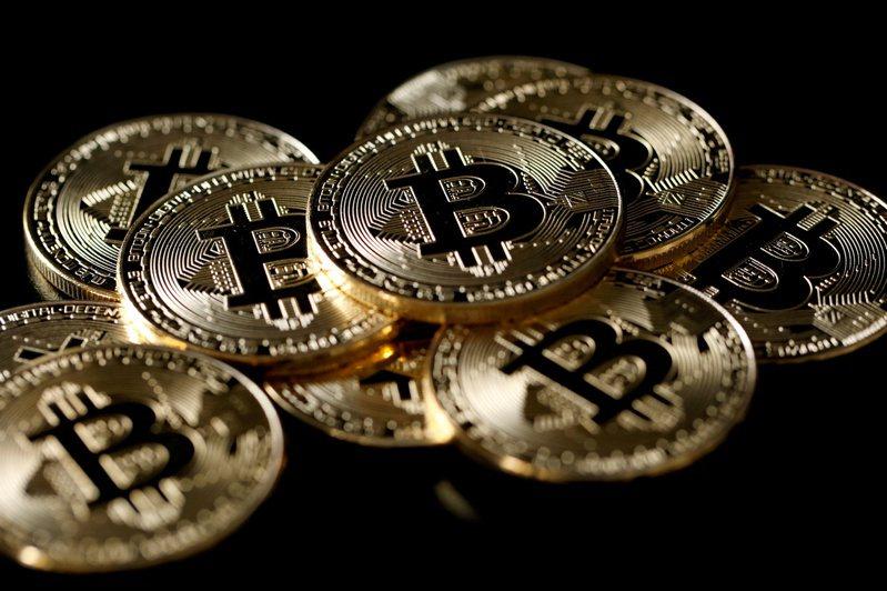 避險基金Third Point執行長、億萬富豪洛伯1日推文透露,他最近也一直在研究比特幣。路透