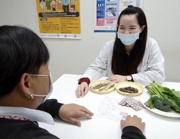 特定蔬菜與藥膳材料影響凝血功能,心血管患者要注意。圖/邱婉君提供